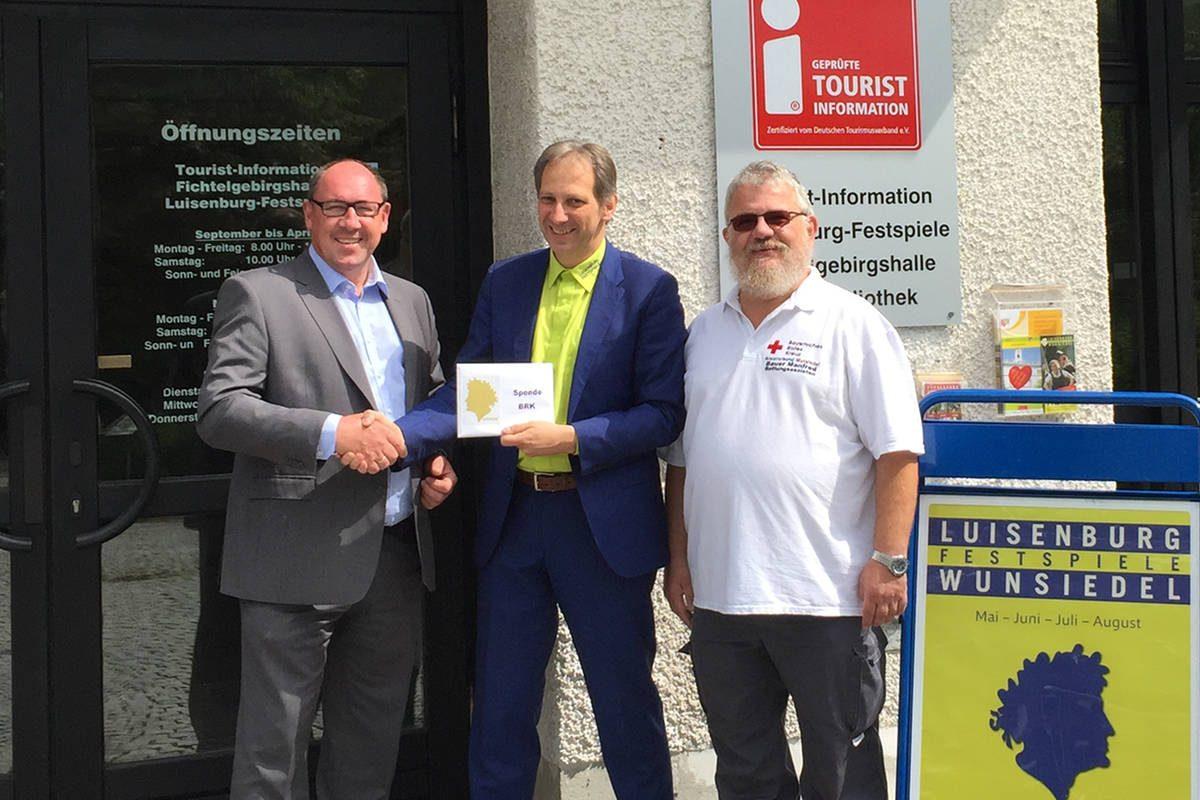 BRK Kreisgeschäftsführer Thomas Ulbrich, Luisenburg-Verwaltungsleiter Harald Benz und BRK Bereitschaftsleiter Manfred Bauer
